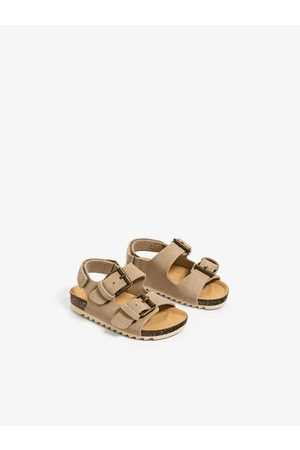 Zara Jednobarwne sandały ze sprzączkami