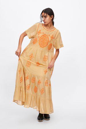 Zara Sukienka z haftem