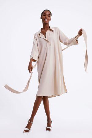 Zara Sukienka z dwukrotnie owijanym paskiem