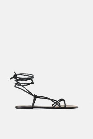Zara Skórzane sandały z paseczkami z plecionki