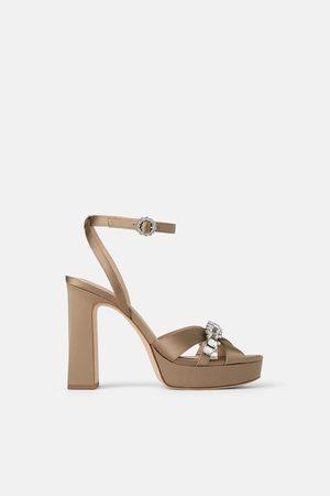 wygodne sandały damskie na obcasie Zara, porównaj ceny i kup