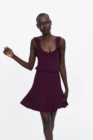 Zara Plisowana sukienka z falbankami