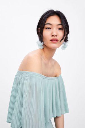Zara Plisowana sukienka z rękawem o kroju pelerynowym