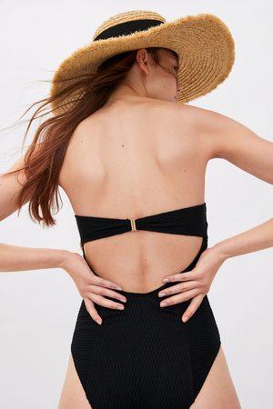 Zara Teksturowany kostium kąpielowy typu bandeau