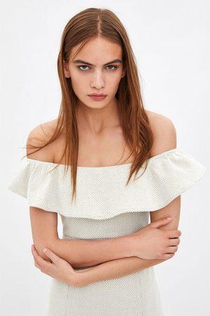 Zara Sukienka z tkaniny strukturalnej falbanką