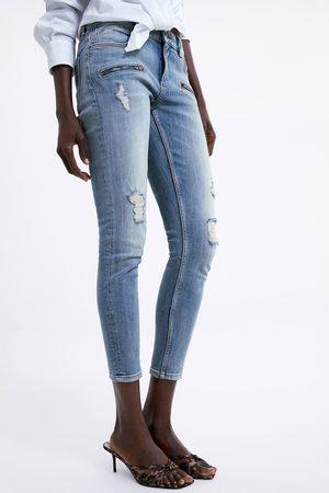 Zara Kobieta Rurki - Spodnie jeansowe rurki z rozdarciami z kolekcji z1975