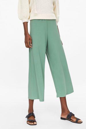 Zara Kobieta Spodnie - Spodnie o krótszym kroju