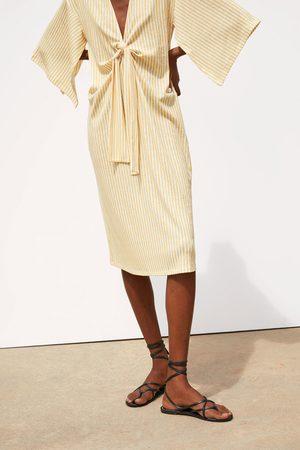Zara Sukienka w paski z wiązaniem
