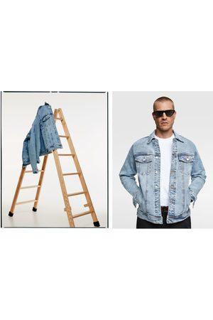 Zara Mężczyzna Kurtki jeansowe - Kurtka jeansowa o wygodnym kroju