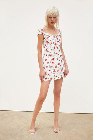 Zara Kobieta Sukienki z nadrukiem - Sukienka z nadrukiem w róże