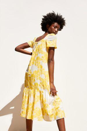 Zara Sukienka średniej długości z tkaniny strukturalnej