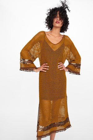 Zara Sukienka z tkaniny strukturalnej z cekinami