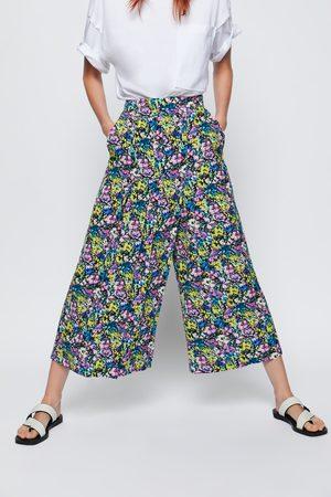 Zara Spodnie z nadrukiem i zaszewkami