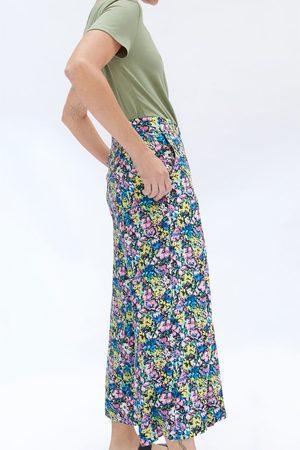 Zara Kobieta Bermudy - Spodnie z nadrukiem i zaszewkami