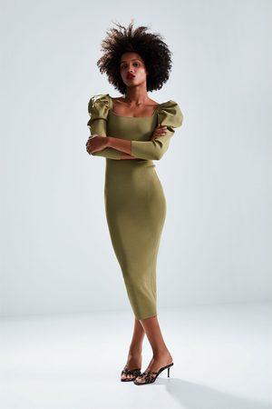 Zara Sukienka z bufiastym rękawem