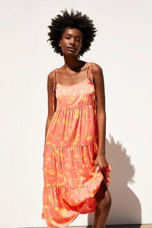 Zara Kobieta Sukienki z nadrukiem - Sukienka średniej długości w kwiaty