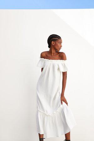 Zara Sukienka z teksturowanej tkaniny z falbanką