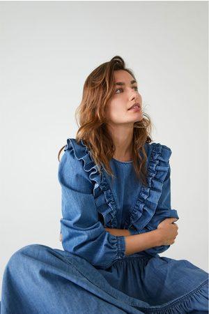 Zara Kobieta Jeansowe - Koszula jeansowa z falbankami
