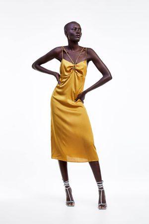 Zara Sukienka na ramiączkach w bieliźnianym stylu