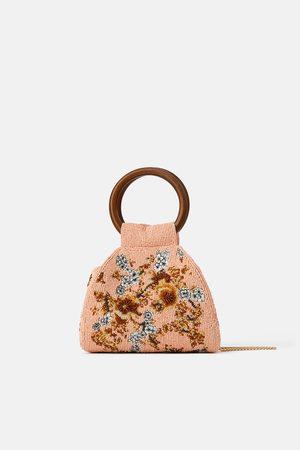 Zara Kobieta Listonoszka - Torebka listonoszka z koralikami i drewnianymi rączkami