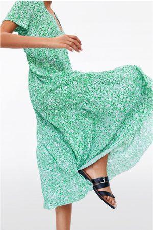 Zara Kobieta Sukienki z nadrukiem - Sukienka w kwiaty