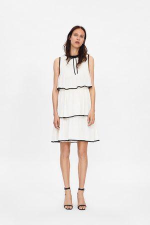 Zara Sukienka z falbankami i wiązaniem