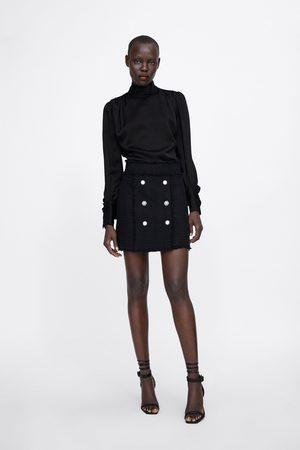 Zara Kobieta Spódnice mini - Spódnica mini z guzikami z biżuteryjnym zdobieniem