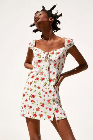Zara Sukienka z nadrukiem w róże
