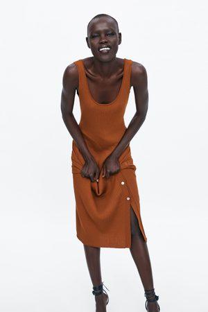 Zara Sukienka z prążkowanej dzianiny z rozcięciem