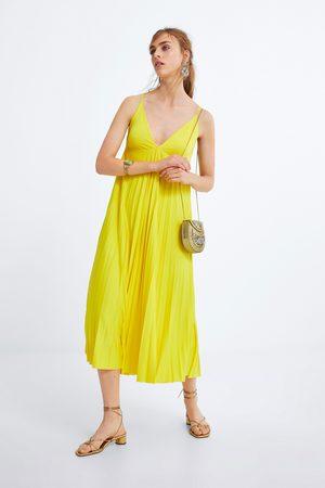Zara Plisowana sukienka w stylu bieliźnianym