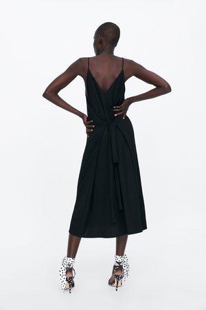 Zara Sukienka na ramiączkach z paskiem