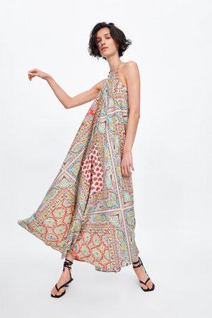 Zara Wzorzysta sukienka z dekoltem halter