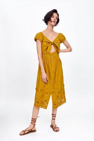 Zara Sukienka z wycięciem i haftem