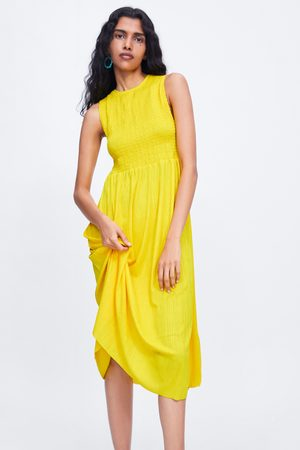 Zara Sukienka z elastycznym zdobieniem