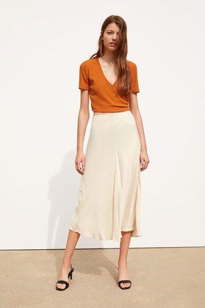 Zara Kopertowa koszulka o krótszym kroju