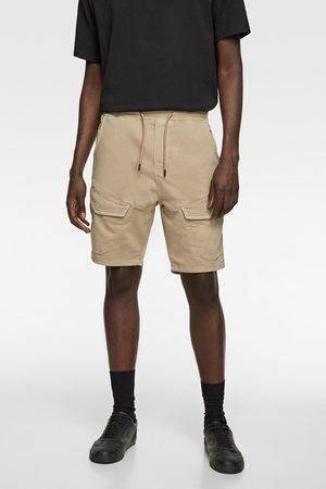 Zara Mężczyzna Bermudy - Bermudy jeansowe z przyjemnej w dotyku tkaniny