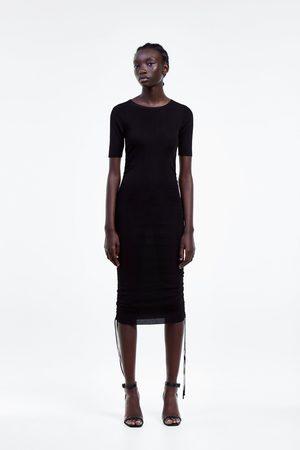 Zara Kobieta Sukienki dopasowane - Dopasowana sukienka z troczkami
