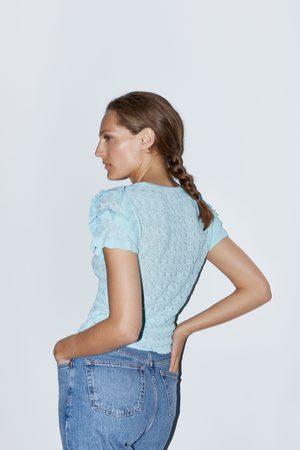 Zara Sweter z dzianiny strukturalnej z falbankami