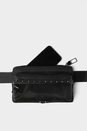 Zara Mężczyzna Saszetka nerka - Czarna torebka typu nerka z ćwiekami