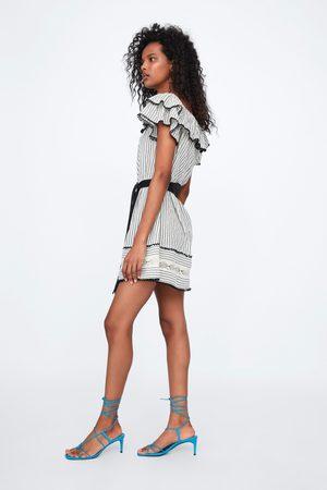 Zara Sukienka z falbankami i paskiem