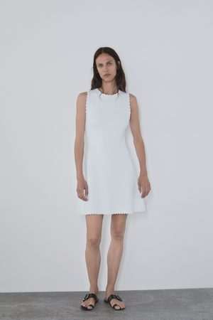 Zara Kobieta Sukienki - Sukienka z dzianiny z wykończeniem w fale