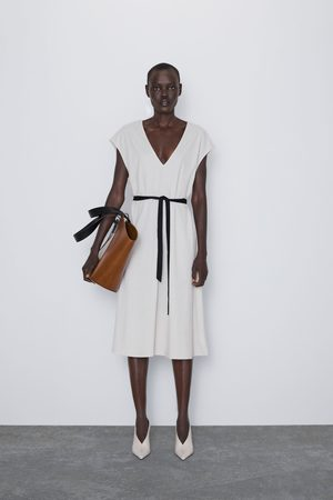 Zara Sukienka średniej długości z paskiem