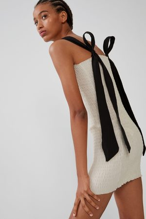 Zara Sukienka z elastycznej tkaniny z wiązaniem