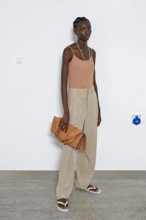 Zara Kobieta Z krótkim rękawem - Koszulka z tkaniny elastycznej na ramiączkach