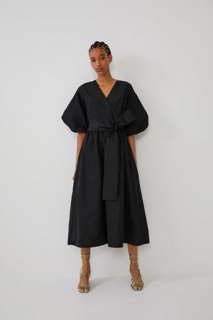 Zara Kobieta Sukienki - Sukienka średniej długości o szerokim kroju