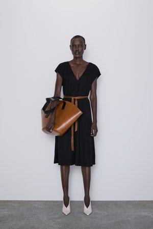 Zara Kobieta Sukienki - Sukienka średniej długości z paskiem