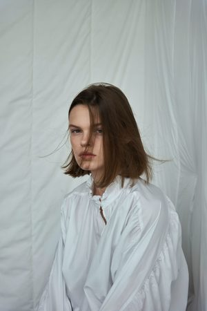 Zara Popelinowa bluzka z rękawem z marszczeniami