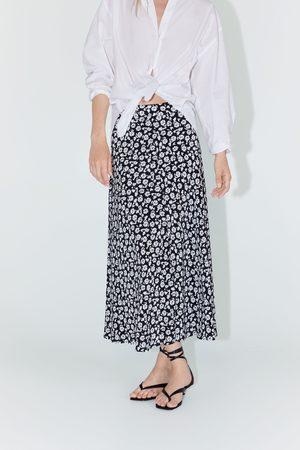 Zara Wzorzysta spódnica w kwiaty