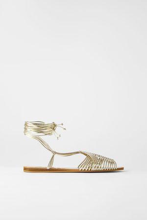 Zara Sandały rzymianki na płaskiej podeszwie z paseczkami rurkowymi