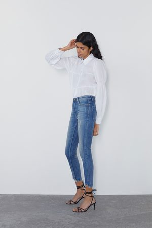 Zara Spodnie jeansowe rurki ze średnim stanem z rozcięciami z kolekcji z1975